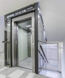 Při pořízení imodernizaci výtahů se vyplatí vpředstihu počítat snovounormou
